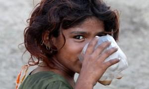 Pakistani-flood-victim-Ho-007